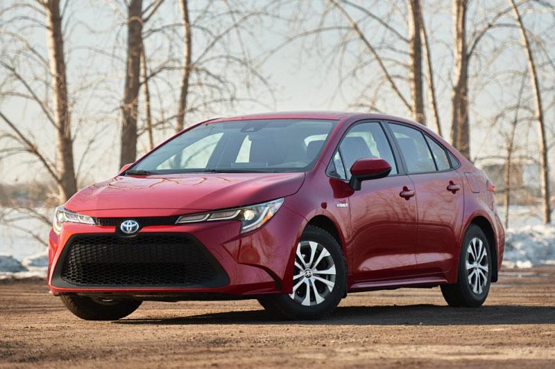7. Toyota Corolla Hybrid 2021 (giá khởi điểm: 23.600 USD, điểm an toàn của US News: 9,7/10).