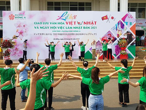 Sinh viên ĐH Đông Á thể hiện sự năng động, nhiệt huyết trong Lễ hội giao lưu văn hóa Việt - Nhật và Ngày hội việc làm Nhật Bản 2021