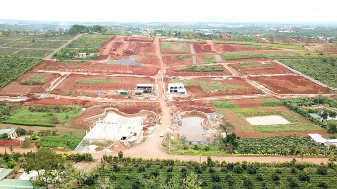Tình trạng phân lô bán nền ở huyện Bảo Lâm (Lâm Đồng) đang rất nóng.