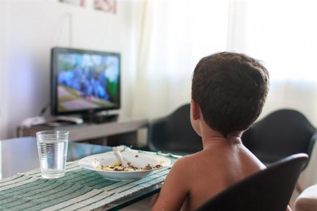 10 kiểu dạy con ăn uống sai lầm mà đa số các bậc phụ huynh đều mắc phải 3