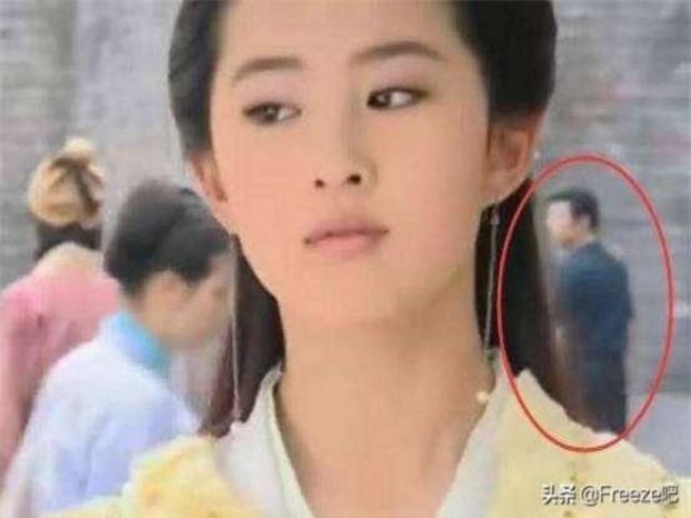 15 lỗi sai ngớ ngẩn thấy rõ trong phim cổ trang Hoa ngữ khiến khán giả 'giận tím người' 17