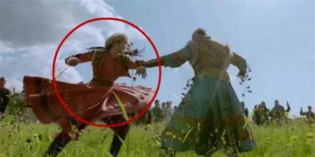 15 lỗi sai ngớ ngẩn thấy rõ trong phim cổ trang Hoa ngữ khiến khán giả 'giận tím người' 1