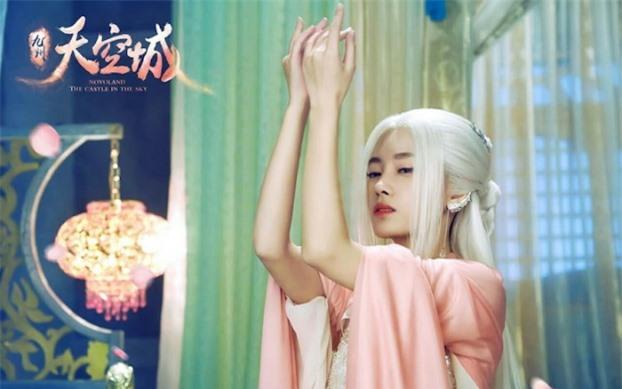 Mỹ nhân Hoa ngữ để tóc trắng: Cúc Tịnh Y như sương tuyết, Dương Mịch tựa nữ thần 1