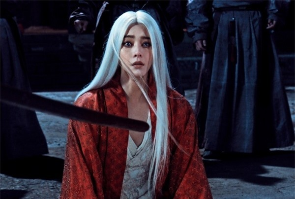 Mỹ nhân Hoa ngữ để tóc trắng: Cúc Tịnh Y như sương tuyết, Dương Mịch tựa nữ thần 3