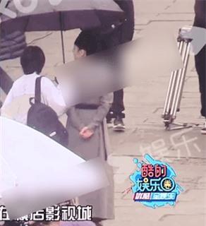 4 mỹ nhân Hoa ngữ đóng giả nam nhi: Người trang điểm quá đà, kẻ lộ rõ vòng một nhô cao 13