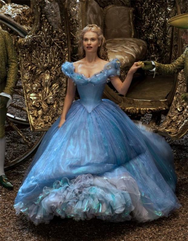 6 nàng công chúa Disney phiên bản đời thực trên màn ảnh rộng, ai giống nhất? 2