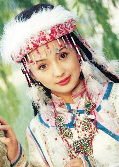Các nàng công chúa màn ảnh Hoa ngữ: Lưu Diệc Phi đẹp mong manh, Trịnh Sảng bị dìm 2