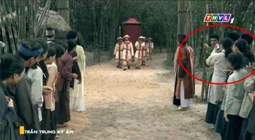 13 lỗi sai ngớ ngẩn trong phim Việt, siêu phẩm của Nhã Phương bị gọi tên, VTV có cả rổ sạn 2
