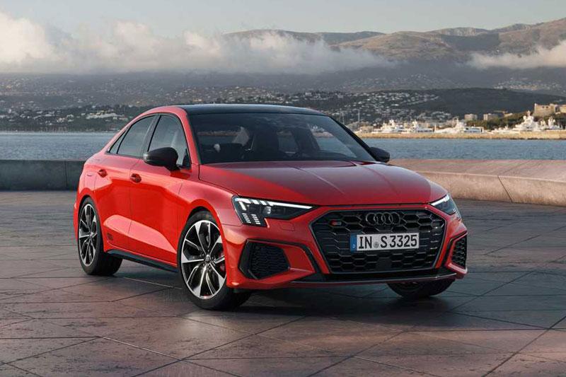 10. Audi S3 (thời gian tăng tốc từ 0-96 km/h: 4,6 giây, giá khởi điểm: 43.000 USD).
