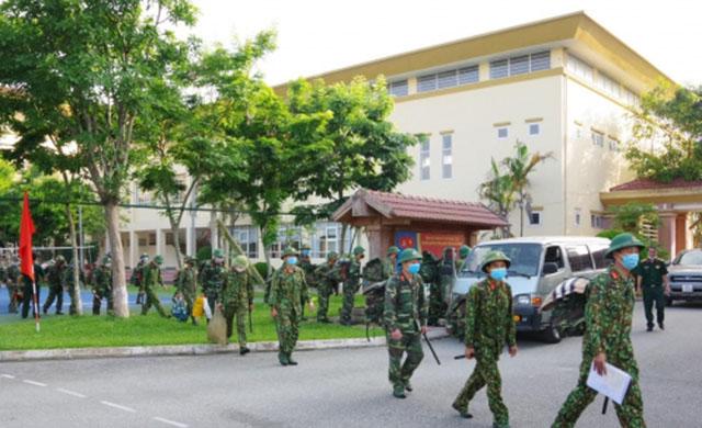 Các chiến sĩ QK4 lên đường bảo vệ vùng biên , phòng chống Covid 19