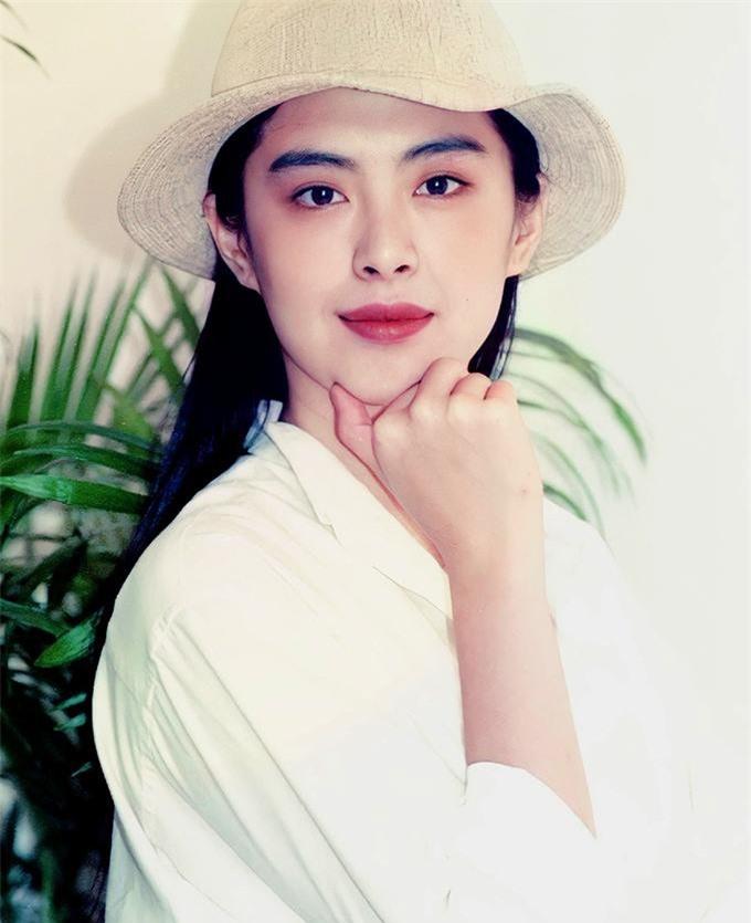 Bất ngờ với nhan sắc tuổi U60 của 'đệ nhất mỹ nhân' Vương Tổ Hiền ảnh 9