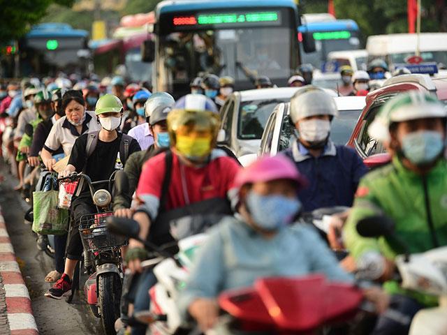 Sau kỳ nghỉ lễ trở lại TP.Hà Nội người dân bắt buộc phải khai báo y tế.