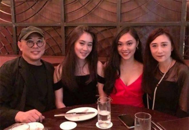 Hai con gái của Lý Liên Kiệt với vợ hoa hậu: Chị nền nã, em 'bốc lửa' ảnh 3