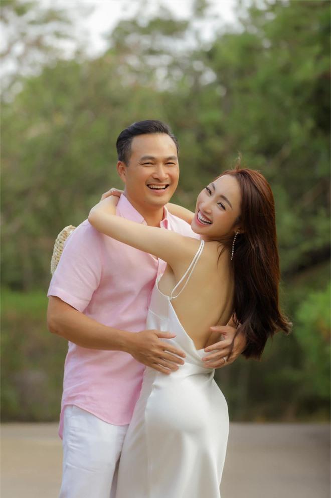 Bà xã Chi Bảo khoe được chồng tặng biệt thự view biển siêu đồ sộ, phản ứng lầy lội khiến netizen bật cười - Ảnh 6.