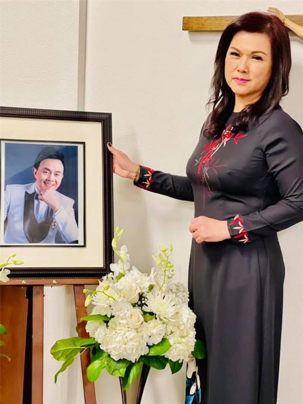 Dương Triệu Vũ nhớ lại khoảnh khắc hội ngộ cùng NS Hoài Linh và NS Chí Tài, netizen xúc động vì chiếc gối liên quan đến bé Heo - Ảnh 4.