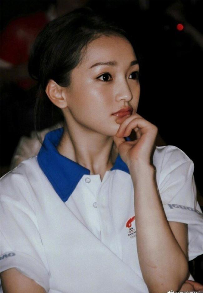 Dương Tử - Triệu Lệ Dĩnh 30 tuổi vẫn đóng vai thiếu nữ ngốc, mặt thì rất xinh nhưng không thể vượt qua cô gái này - Ảnh 9.
