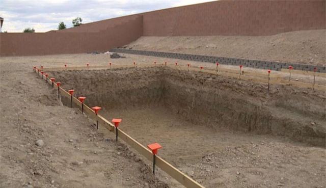 Phát hiện hóa thạch ngựa 14.000 năm tuổi khi xây bể bơi ở Las Vegas - Ảnh 2.