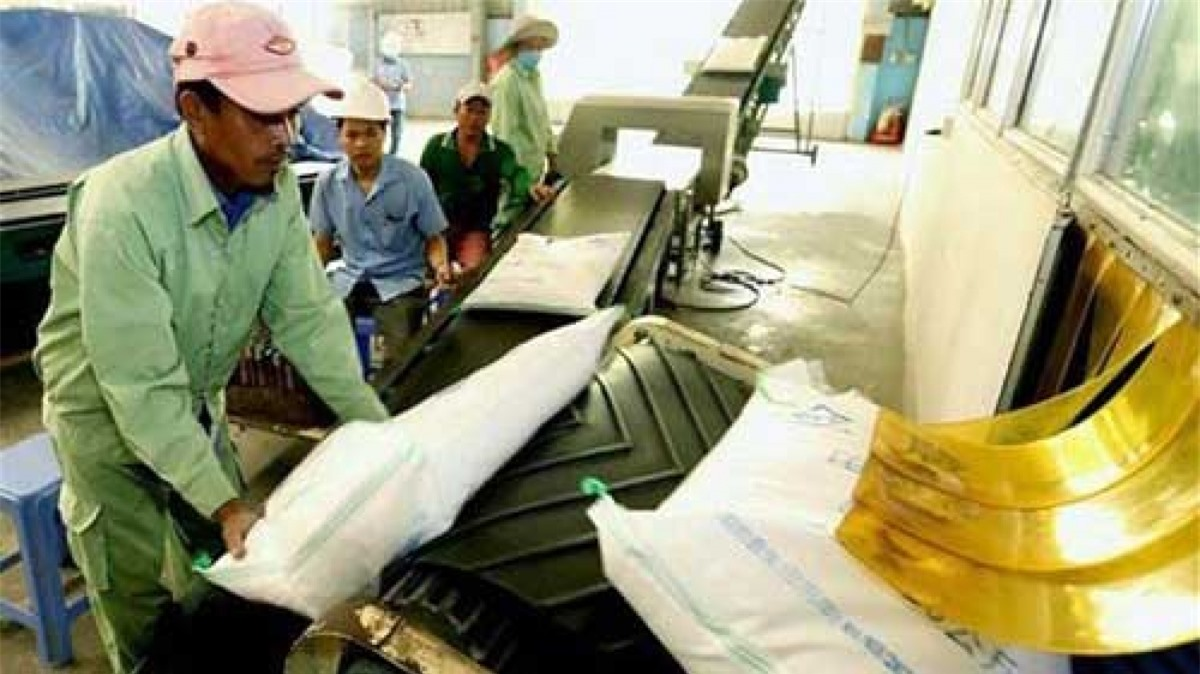 Gạo Long Dan của của Longdan Supermarket được nhập khẩu vào Anh theo Hiệp định tự do thương mại Anh - Việt Nam (UKVFTA) từ cuối tháng 1/2021. (Ảnh: TTXVN)