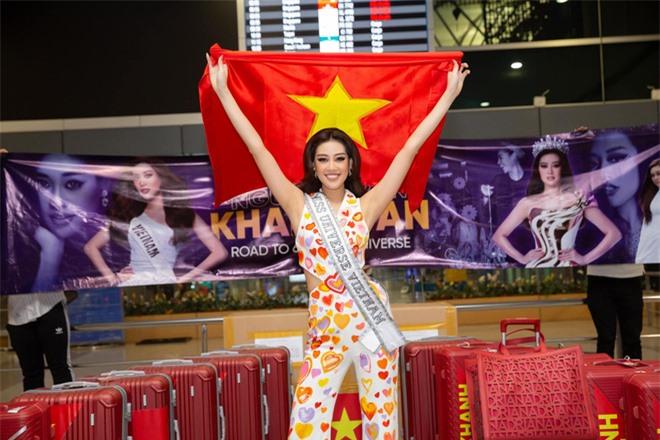 Khánh Vân đã có mặt tại Mỹ dự Miss Universe 2020: Vừa đến liền đọ sắc vóc chặt chém đối thủ và ghi điểm bằng 1 chi tiết - Ảnh 8.