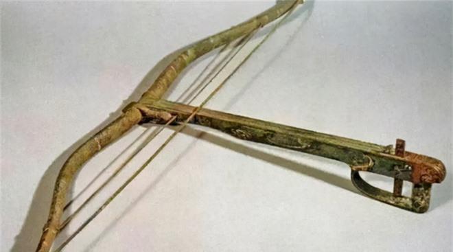 Uy lực sấm sét của nỏ thần nhà Tần: Tầm bắn vượt xa AK47, giúp Tần Vương bình thiên hạ - Ảnh 1.