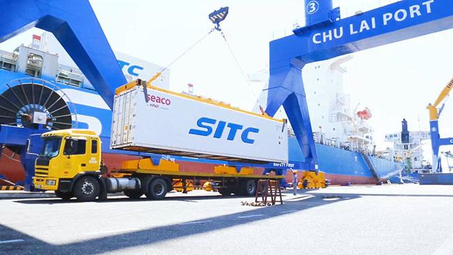Chuối được vận chuyển từ Lào về cảng Chu Lai để xuất khẩu sang Trung Quốc