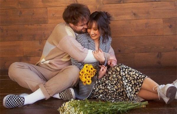 Bộ ảnh đính hôn ngọt ngào của con gái diva Mỹ Linh và chồng Mỹ - Ảnh 5.