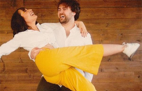 Bộ ảnh đính hôn ngọt ngào của con gái diva Mỹ Linh và chồng Mỹ - Ảnh 6.