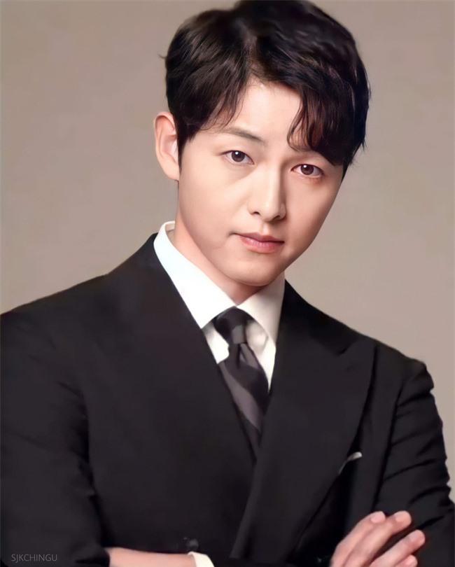"""Bức ảnh hiếm hoi ngày bé chưa từng được công bố của Song Joong Ki, nhìn thấy mà """"cưng xỉu""""  - Ảnh 3."""