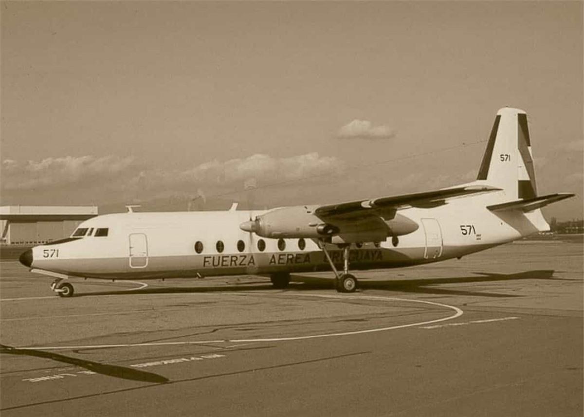 Ngày 13/10/1972, một máy bay từ Montevideo, Uruguay tới Santiago, Chile đã lao vào dãy Andes sau khi gặp thời tiết xấu. Hơn 1/4 hành khách thiệt mạng và những người còn sống phải ăn thịt đồng loại để sinh tồn. Hai người sống sót Nando Parrado cùng Roberto Canessa đã dũng cảm đi tìm sự trợ giúp. Ngày 22/12, họ quay trở lại với 1 đoàn cứu hộ và tất cả 16 người còn sống được đưa tới bệnh viện.