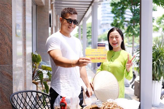 """Running Man Vietnam: Trương Thế Vinh chính thức trở lại, netizen gọi tên """"bạn gái tin đồn"""" Thúy Ngân  - Ảnh 2."""