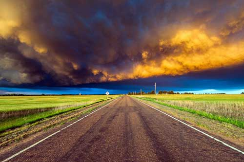 'Nín thở' trước bộ ảnh màu cực ấn tượng về mắt bão và lốc xoáy ở Mỹ