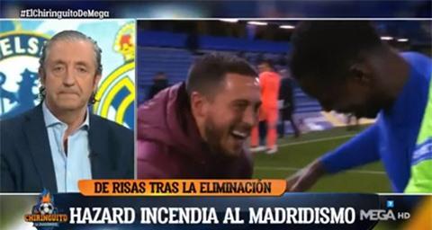 Hazard bị chỉ trích vì hành động tươi cười với cầu thủ Chelsea sau khi Real bị loại