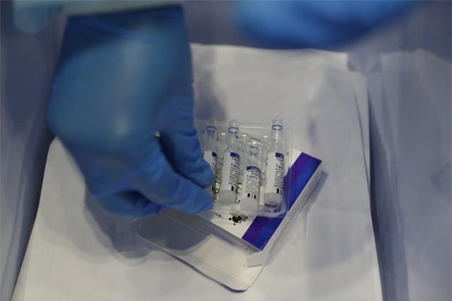 Nga cho phép sử dụng vaccine 1 liều Sputnik Light - Ảnh 1.