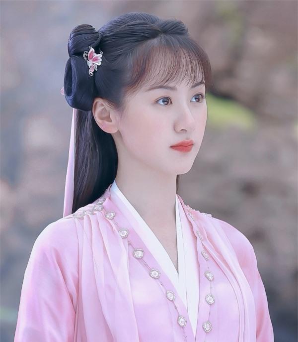"""Nữ chính """"Lưu ly mỹ nhân sát"""" Viên Băng Nghiên bị mắng thậm tệ vì mặc y hệt Triệu Lệ Dĩnh trên phim trường - Ảnh 6."""