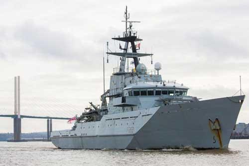 Tàu hải quân Anh HMS Severn. Ảnh: royalnavy.mod.uk.