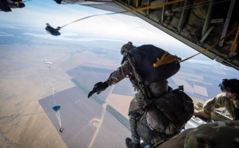 Mỹ chuyển đến gần Nga lực lượng chuyên đột nhập vùng cấm