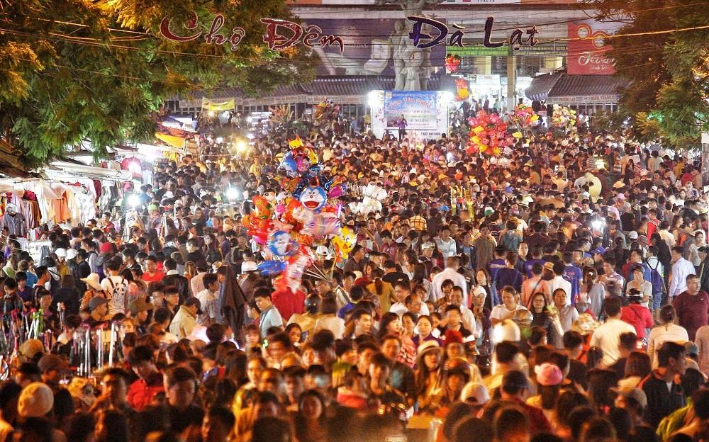 Chợ đêm Đà Lạt, một trong những nơi bệnh nhân Covid-19 ở Bắc Ninh đã ghé đến trong dịp nghỉ lễ vừa rồi.