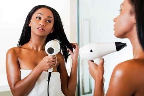13 việc bạn làm đang phá hủy mái tóc của bạn - xs thứ hai
