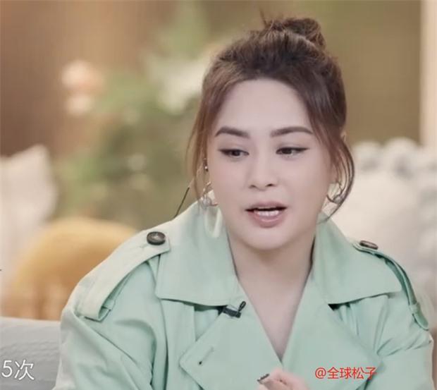 2 thái cực hậu ly hôn: Chung Hân Đồng tăng cân không phanh, chồng cũ trầm cảm, gầy rộc vì sút gần 10kg - Ảnh 2.
