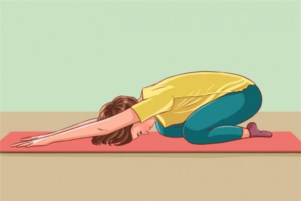 5 bài tập kéo giãn cột sống, giảm đau lưng cho dân văn phòng hiệu quả 1