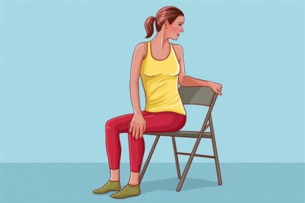 5 bài tập kéo giãn cột sống, giảm đau lưng cho dân văn phòng hiệu quả 2
