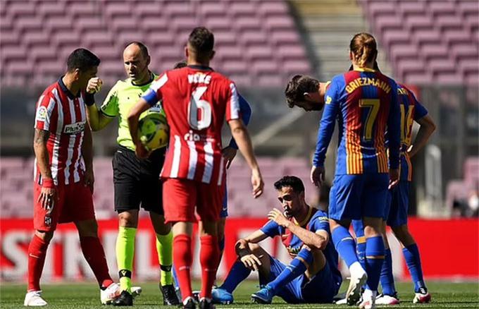 Barca và Atletico níu chân nhau giúp Real chiếm được lợi thế