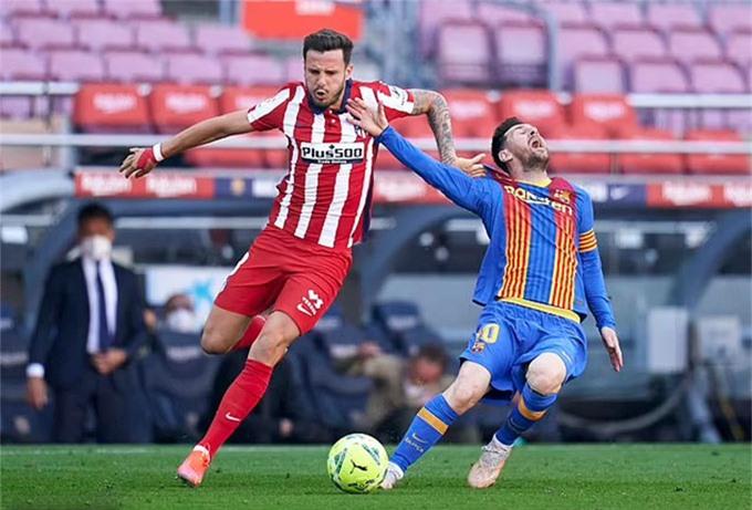 Messi bị các cầu thủ Atletico phạm lỗi tới 9 lần