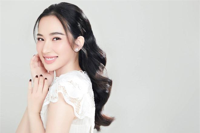 Em vợ Lê Dương Bảo Lâm xinh đẹp không kém hot girl - Ảnh 8.