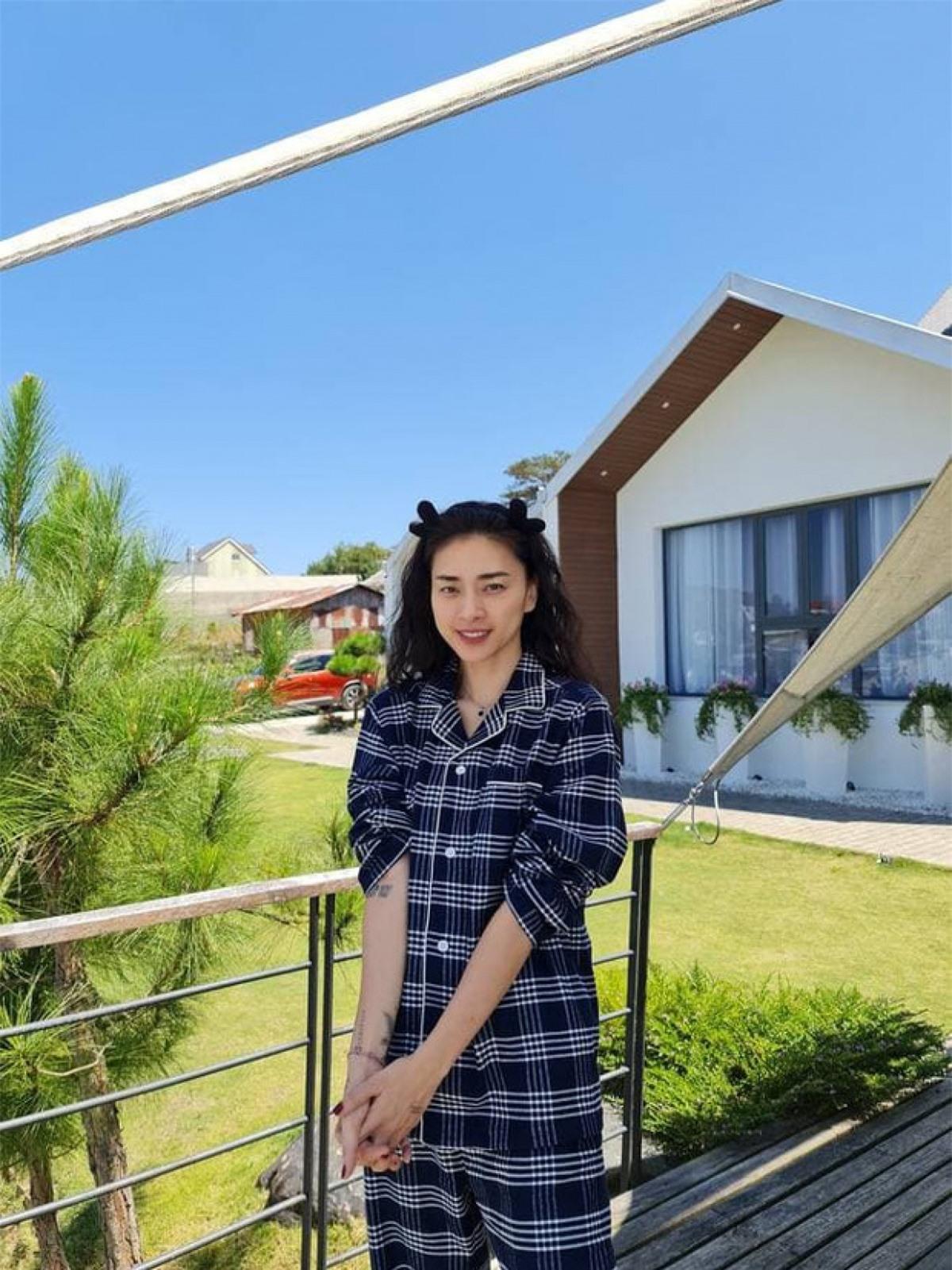 """""""Đả nữ"""" Ngô Thanh Vân ngày càng trẻ trung khi tìm thấy tình yêu cùng Huy Trần."""