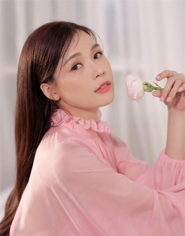 Sam trang điểm nhẹ nhàng, đọ sắc bên cô bạn người Hàn Quốc - Ảnh 4.