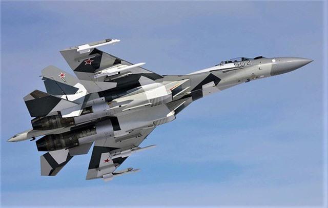'Vua tác chiến' Su-35 của Nga vượt trội 'chim ăn thịt' F-22 ảnh 2
