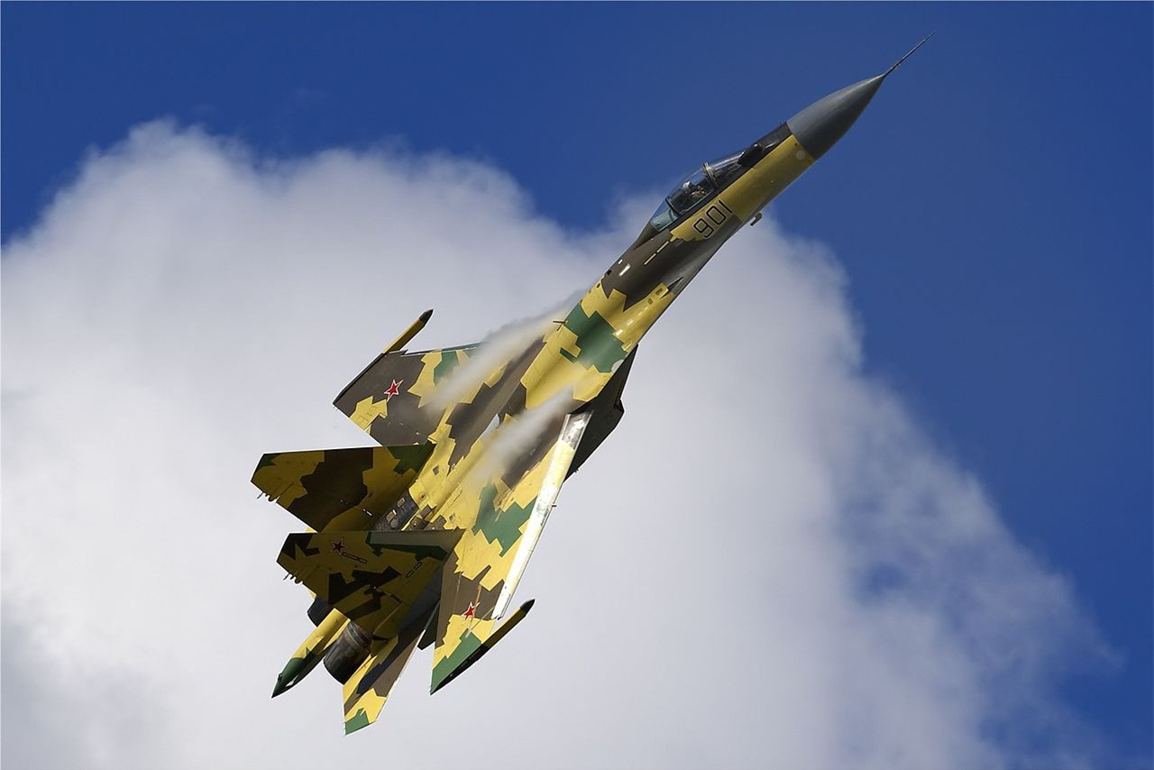 'Vua tác chiến' Su-35 của Nga vượt trội 'chim ăn thịt' F-22 ảnh 3