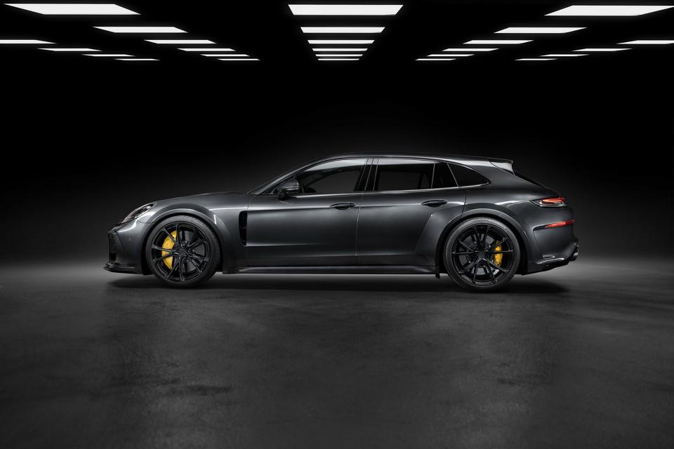 Porsche Panamera với gói nâng cấp mạnh hơn 700 mã lực