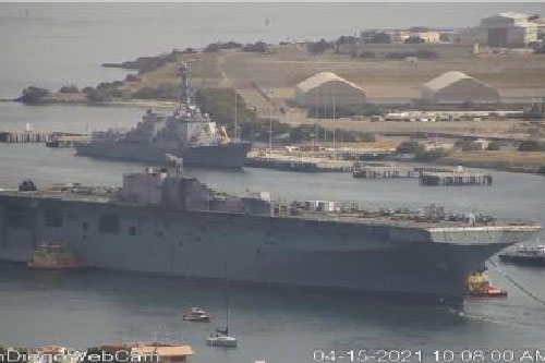 Mỹ bán được siêu tàu đổ bộ cho công ty phế liệu
